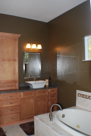 R E Robinson Remodeling and Customer Builder Bathrooms
