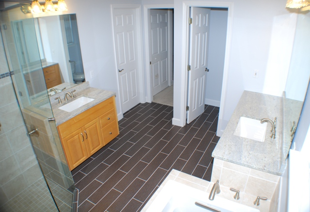 R e robinson remodeling and customer builder bathrooms for Bathroom remodel gainesville fl